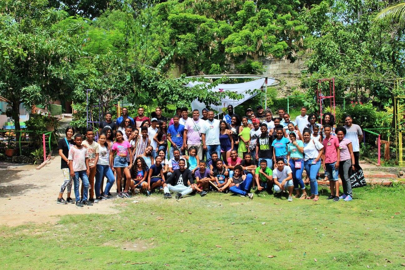 Jóvenes por el cuidado de la vida y la construcción de la paz